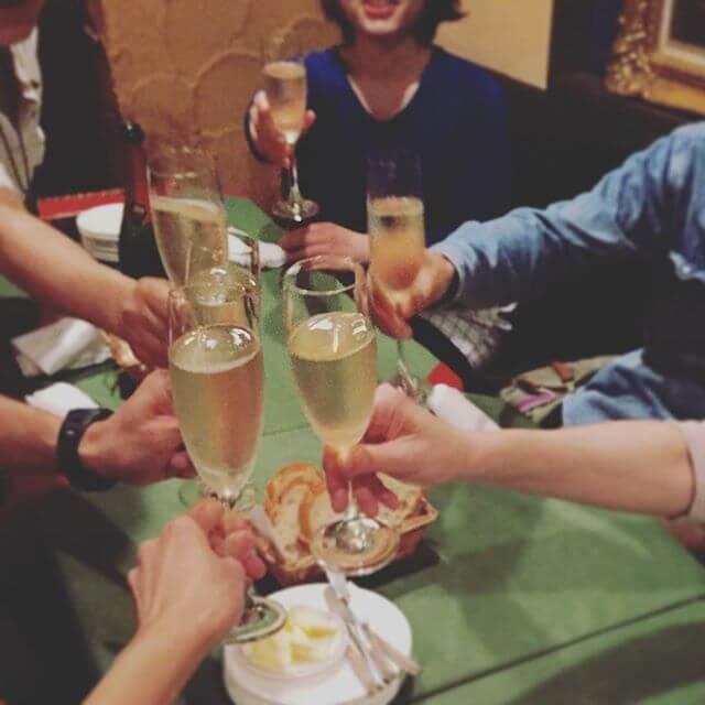 第2回 うなかみBn教室飲み🍾デシタ⁽⁽٩(๑˃̶͈̀ ᗨ ˂̶͈́)۶⁾⁾ 気付けば約5hくっちゃべり?めっちゃ楽しい時間を ありがとう!!#飲み会 #ワイン #スパークリング#バンドネオン