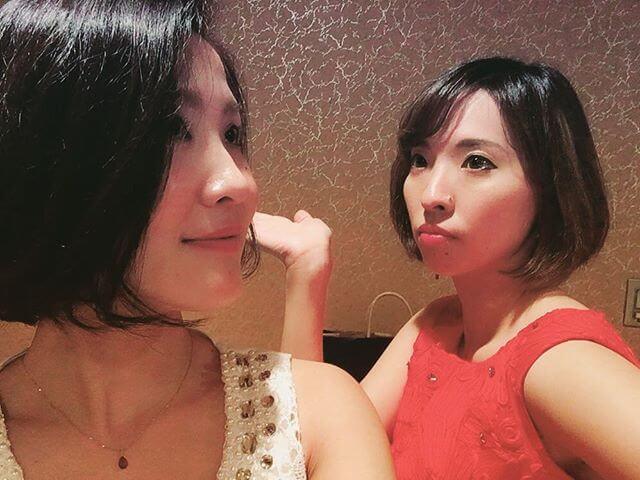タイトル:紅白 ?笑VnのKeikoちゃんと明社新宿40周年 記念式典演奏でした私達は音楽で社会を明るくする🏻#演奏 #紅白 #バンドネオン #ヴァイオリン
