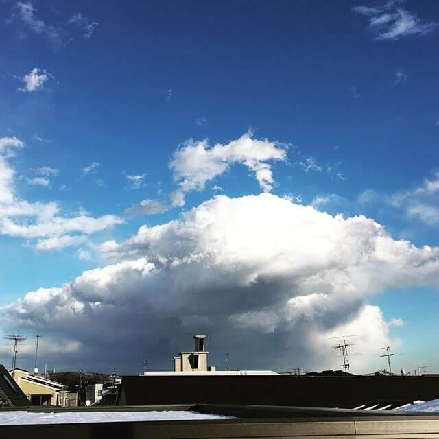 すごい雪雲??が出てるが大丈夫だろか.....#雲 #空