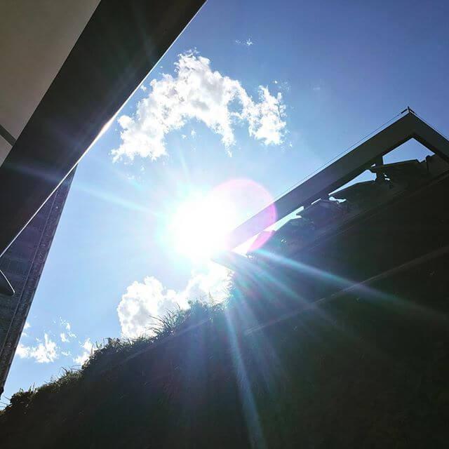 日差しがアッチイ&気持ちいい#空 #3月 #東京